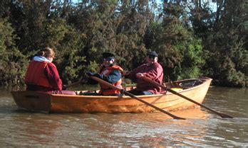 wooden boat guild tasmania wooden boat guild of tasmania the tasmanian piners punt