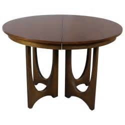 Broyhill Dining Room Tables Mid Century Modern Broyhill Brasilia 6140 1645 Pedestal Base Dining Table At 1stdibs