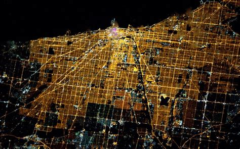 chicago light map in tweet from space chicago lights up the 171 cbs chicago