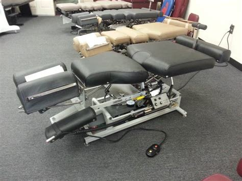 lloyd 402 flexion elevation table chiropractic equipment