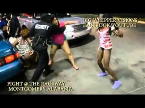imagenes mujeres peleando pelea de mujeres en estacionamiento youtube