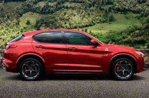 Alfa Romeo 3 Alfa Romeo Stelvio 3