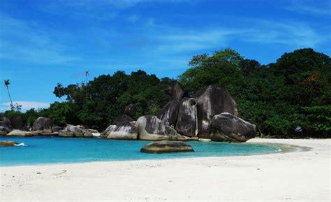 lokasi pantai film laskar pelangi pantai belitung fenomenal laskar pelangi di belitung