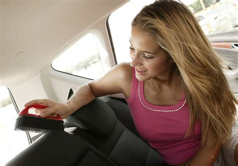 Feuchtigkeit Im Auto Geruch by Innenraumpflege