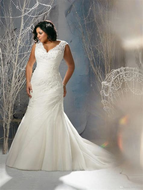 plus size wedding dresses with sleeves 2017