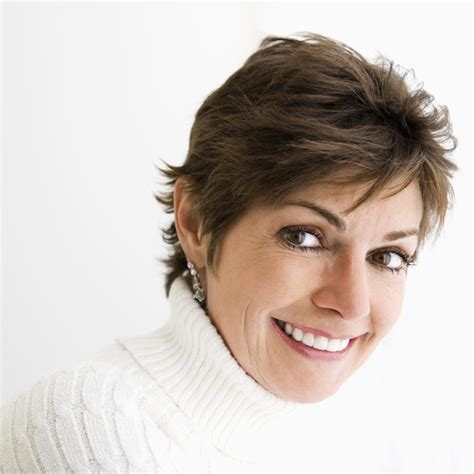 Short Hairstyles for Women Over 50: Time to Embrace
