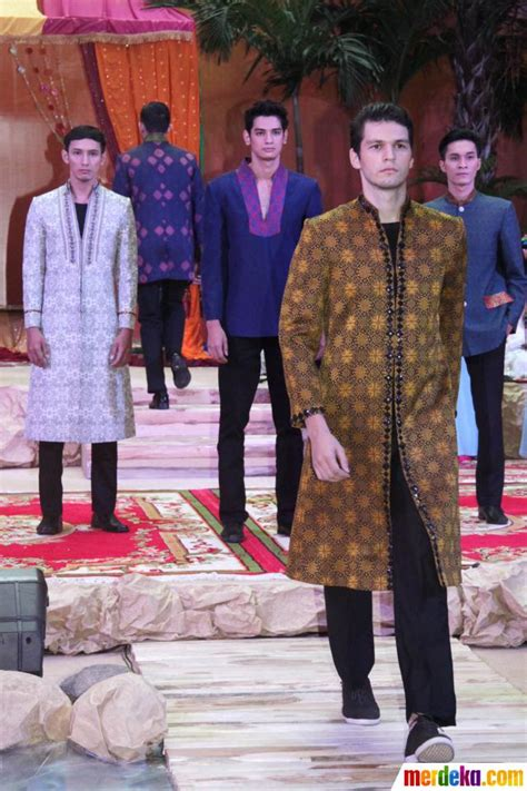 foto fashion show busana muslim merdeka foto fashion show busana muslim merdeka