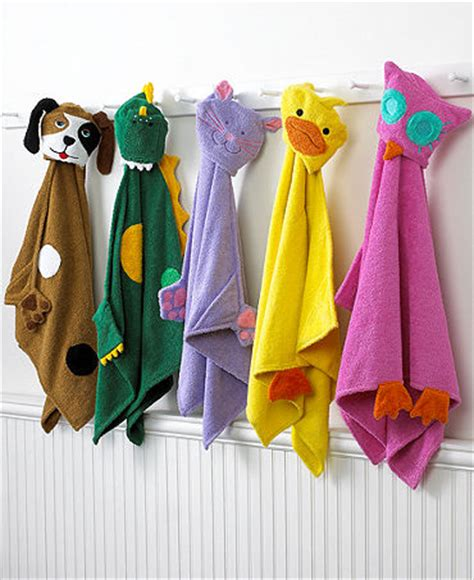 bathtub fun for toddlers make bath times for your kid fun with the kids bath towels kids bath towels
