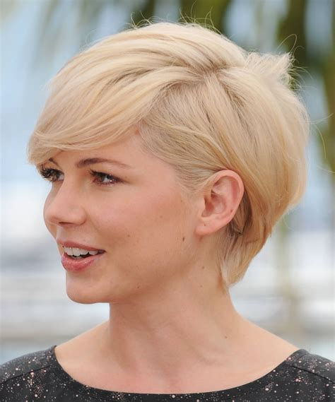 filipino artist short hair style perfect leading style blonde gold shot haircut for female