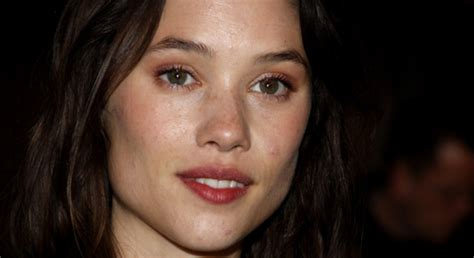 astrid berges frisbey mother who is astrid berges frisbey get to know her through 5 facts