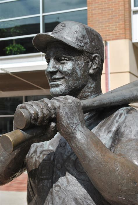 johnny bench statue behind the scenes look at new reds statue wvxu