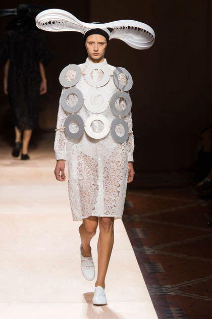 Inside Fashion Week 2 by Les Pires Tenues Des Fashion Week