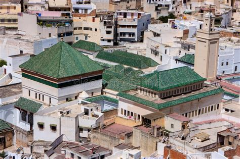 piastrelle marocco piastrelle di ceramica verdi sul tetto palazzo in