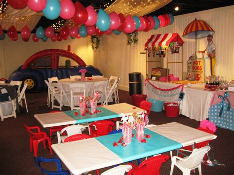 circus themed table decorations circus table centerpiece themes inspiration