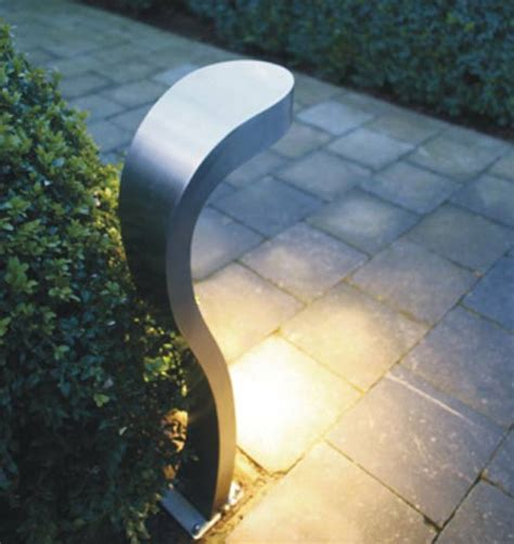 Contemporary Landscape Lighting Cobra Light Contemporary Outdoor Lighting By Sixlight