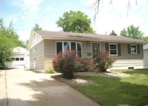2304 e 13th st sioux falls sd 57103 foreclosed home