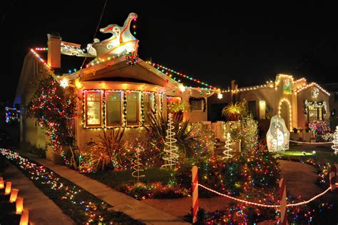 what are the dates for christmas tree lane in fresno and brightest lights in the east bay