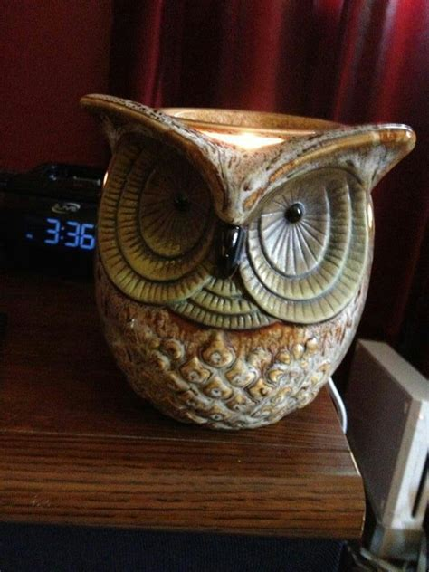 Owl Table L Owl Table L Remodelaholic Repurposed Owl Plant Stand Turned Side Table Owl Table Mango