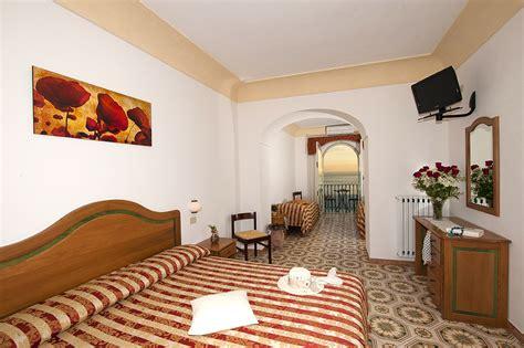 hotel gabbiano positano hotel il gabbiano positano rooms