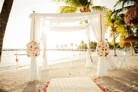 Wedding Set Up Flamingo Beach   Renaissance Private Island