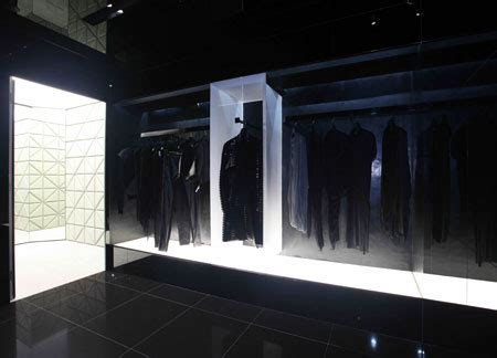 Gareth Pugh Hits The Shops In August gareth pugh opens new store in hong kong butterboom