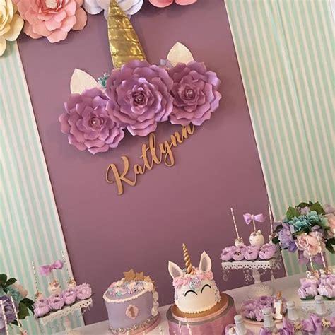 decoraciones fall para evento vestidos de graduacion m 225 s de 25 ideas incre 237 bles sobre invitaciones barbie en