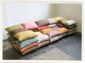 How To Make Sofa Pillows Design Squish Many Pillows Furniture Design Design Lifestyle Pillows Diy