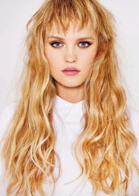 duenne lange haare frisuren