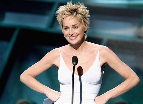 how to style sharon stones short hair style sharon stone pixie sharon stone hair looks stylebistro