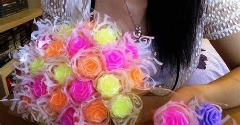 tutorial membuat buket bunga plastik cara membuat bunga cantik dari sedotan plastik tutorial