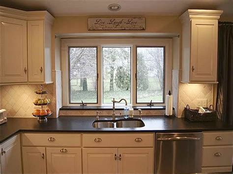 small galley kitchen makeovers 1000 ideas about small kitchen makeovers on