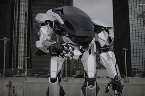 film robot geant un robot g 233 ant sorti tout troit d un film de s f