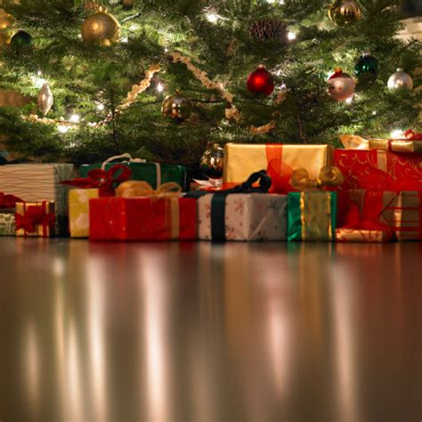 10 of british men won t buy a christmas present this year