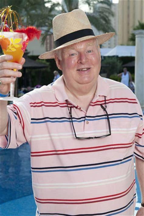benidorm swinging benidorm star kenny ireland dies news british comedy guide