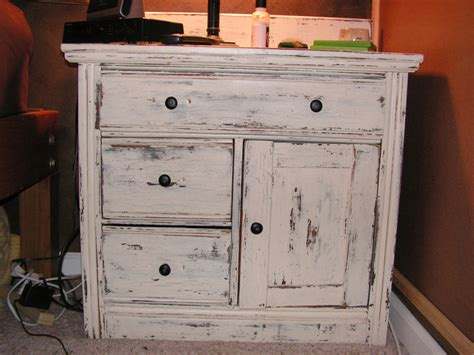 How To Paint White Distressed Furniture by White Distressed Furniture Memes
