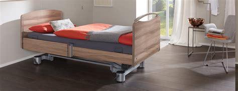Pflegebetten Mit Hoher Qualit 228 T F 252 R Senioren Und