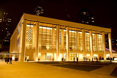 lincoln center theater draws to shen yun
