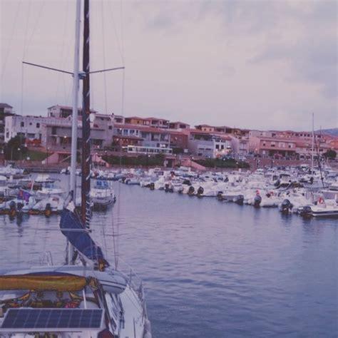 porto isola rossa porto isola rossa barca vela 2 porto isola rossa