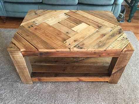 Pallet Wood Coffee Table Rustic Wood Pallet Coffee Table With Pattern 101 Pallets
