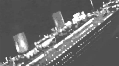 real pictures of the titanic sinking the real titanic sinking www pixshark com images