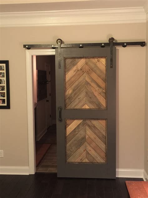 barn style door made from pallet wood diy