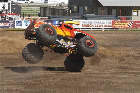 el toro loco monster truck videos el toro loco monster truck by brandonlee88 on deviantart