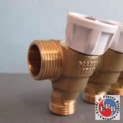 giacomini rubinetti giacomini collettore con rubinetto r585c 3 4 x 4 posti
