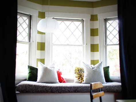 how to decorate a window seat how to decorate a window seat photogiraffe me