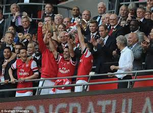 Fa Vase Prize Fund by Emirates Deal Will Protect Fa Cup Prize Money For Clubs During Tournament Daily Mail