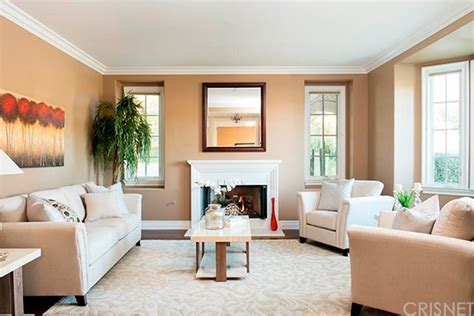kris jenner living room kris jenner house purchase the reality tv takes a gamble buying another calabasas home