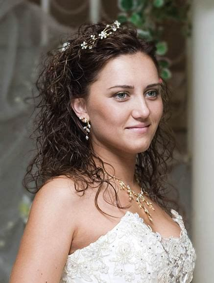 Wedding Hairstyles Mostly by Mostly Side Hair Styles Are Think Unique Hair Styles