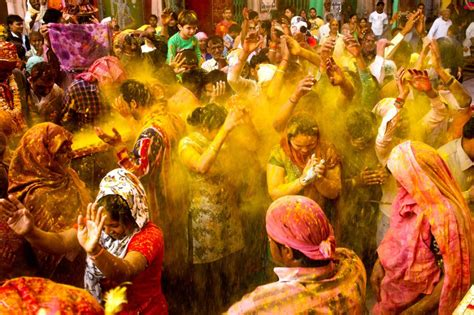 beautiful photos of holi the hindu festival of colors