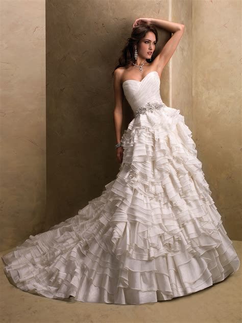 Top Ten Wedding Dress Style in 2013 ? Corset Bodices