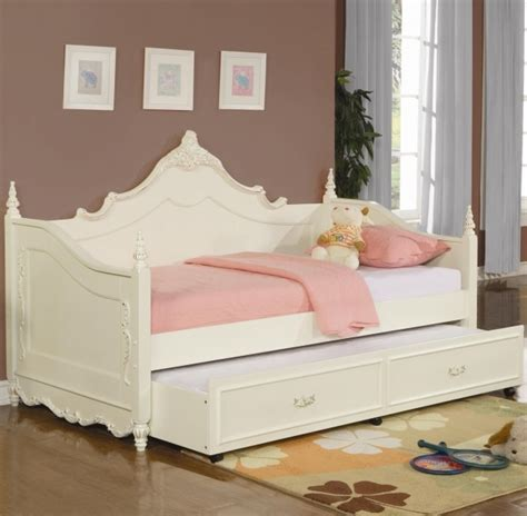 White Tufted King Bed Full Size Daybed With Trundle Bed Bed Amp Headboards